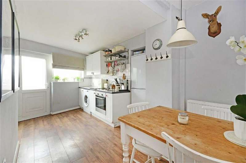 2 Bedrooms Terraced House for sale in 2, Twiggs Row, Old Hackney Lane, Matlock, Derbyshire, DE4