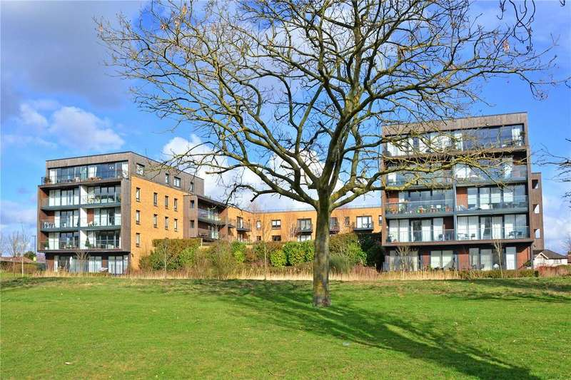 2 Bedrooms Flat for sale in Campbell Court, 35 Meadowside, Kidbrooke Village, London, SE9
