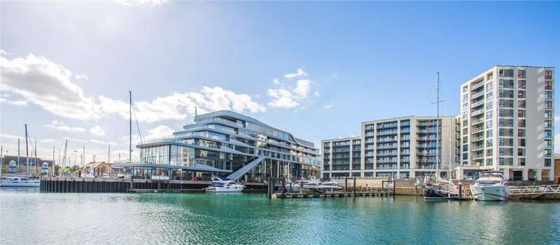 3 Bedrooms Penthouse Flat for sale in Alexandra Wharf, 1 Maritime Walk, Ocean Village, Southampton, SO14