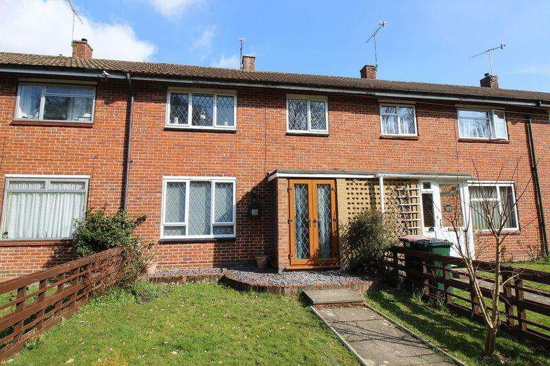 3 Bedrooms Terraced House for sale in Langley Green, Crawley