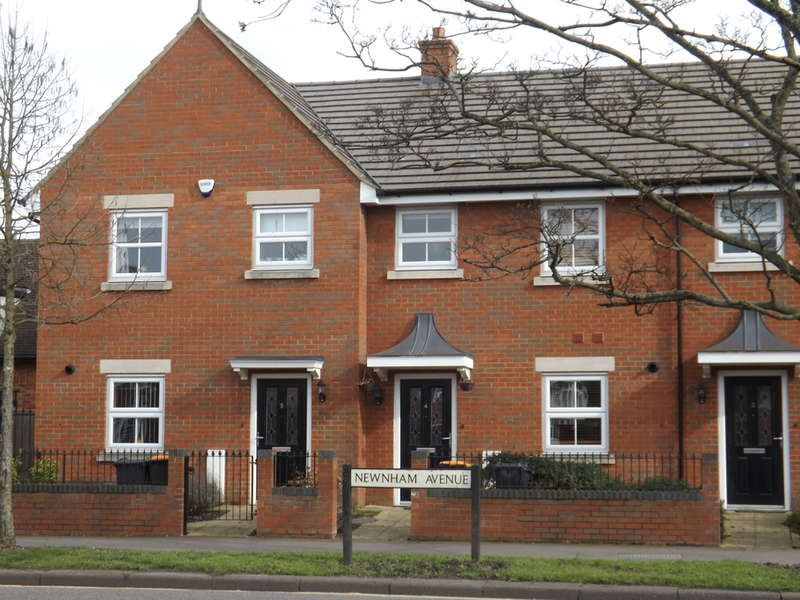 3 Bedrooms Terraced House for rent in Priory Mews, Bedford, MK41