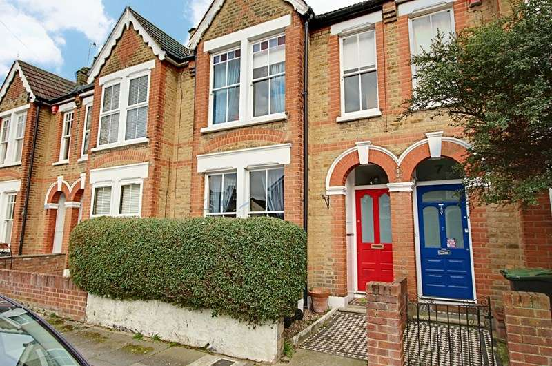 3 Bedrooms Property for sale in Kynaston Road, Enfield