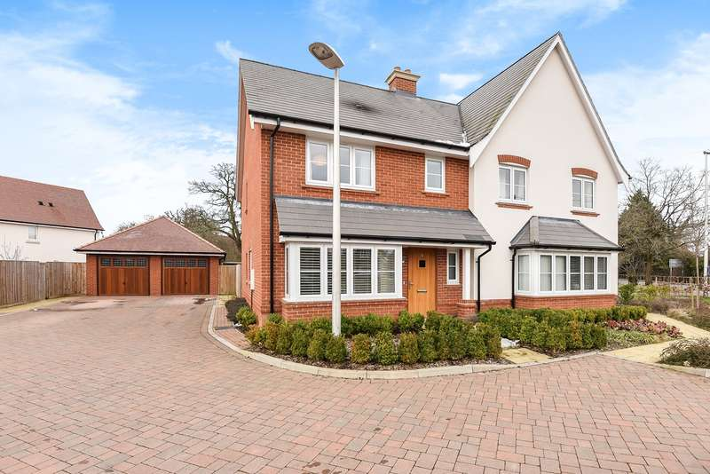 3 Bedrooms Semi Detached House for sale in Braybrooke Crescent, Wokingham, RG40