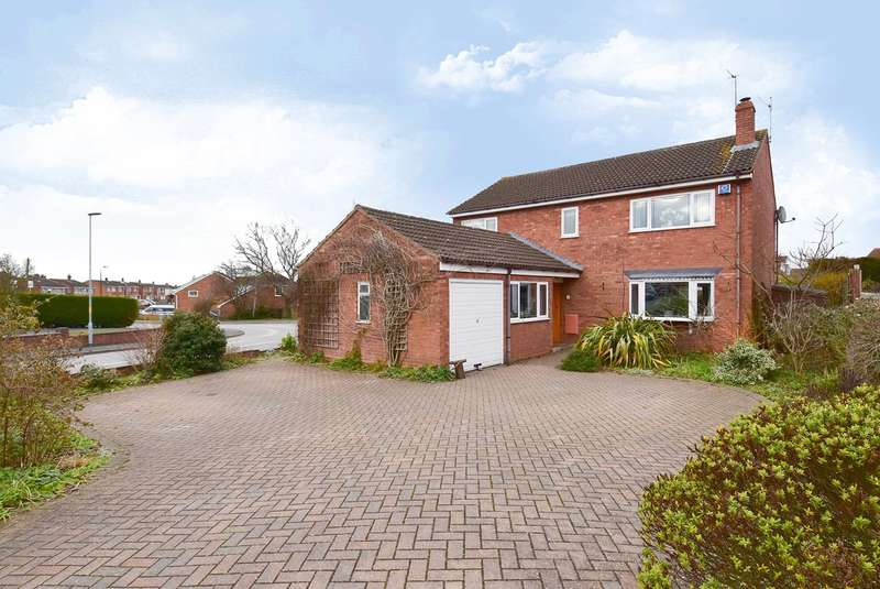 4 Bedrooms Detached House for sale in Aldersey Close, Worcester, WR5