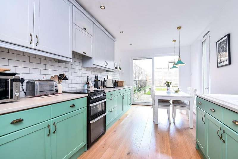 4 Bedrooms Terraced House for sale in Langroyd Road, Tooting