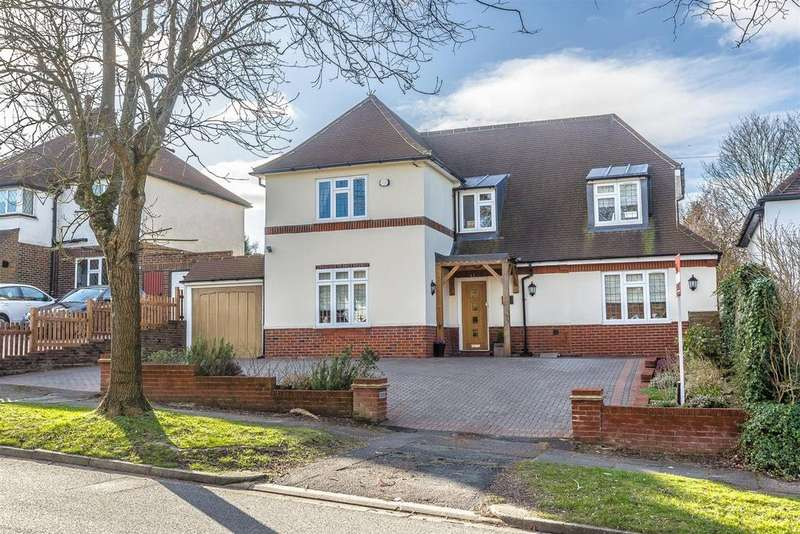 4 Bedrooms Detached House for sale in Green Curve, Banstead