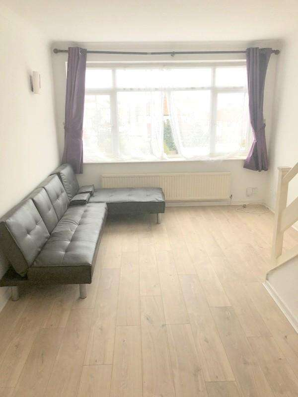 3 Bedrooms Terraced House for rent in Abbey Crescent, Belvedere, DA17