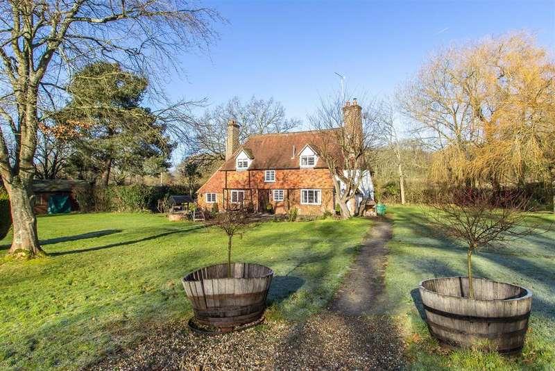 3 Bedrooms Detached House for sale in Itchingwood Common Road, Itchingwood Common - Plus Detached Two Bedroom Annex