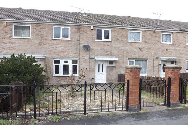 3 Bedrooms Terraced House for sale in Holby Close, Top Valley, Nottingham, NG5