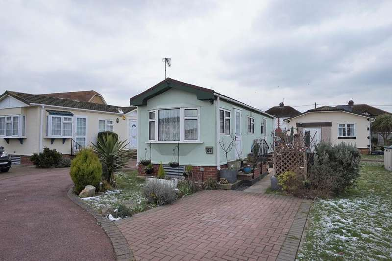 1 Bedroom Park Home Mobile Home for sale in Court Mount, Canterbury Road, Birchington CT7