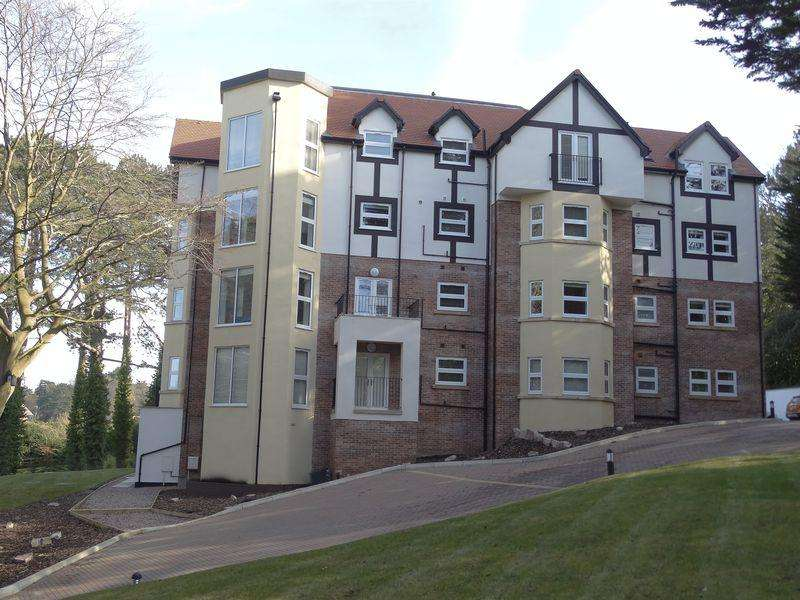 3 Bedrooms Apartment Flat for sale in 53/55 Oak Drive, Colwyn Bay