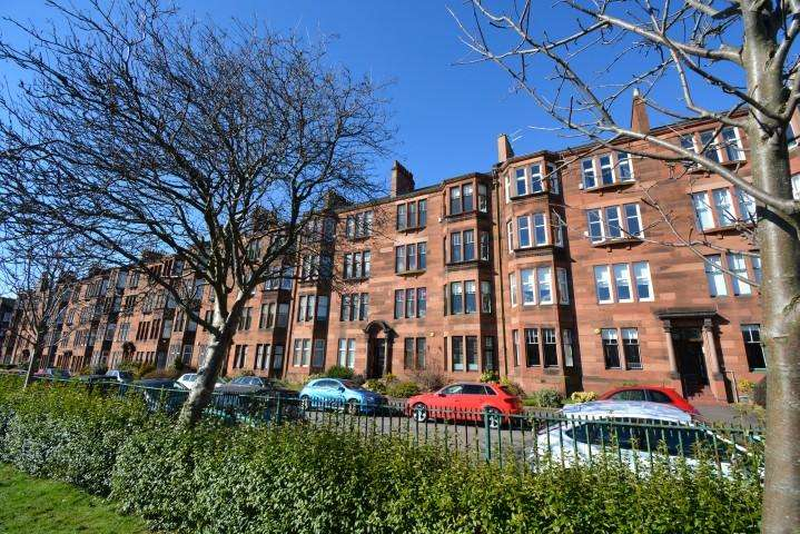 2 Bedrooms Flat for sale in 9 Naseby Avenue, Broomhill, G11 7jQ