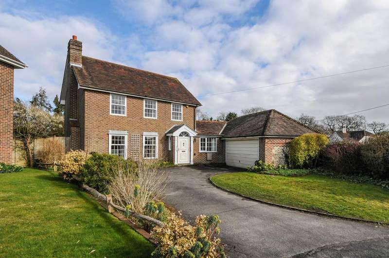 3 Bedrooms Detached House for sale in Arundel Road, Fontwell