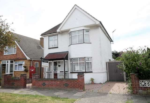 3 Bedrooms House for sale in Preston Road, Holland on Sea