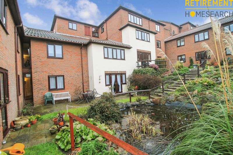 2 Bedrooms Property for sale in Village Heights, Woodford Green, IG8 9QQ