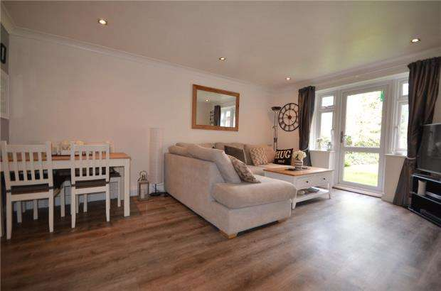 2 Bedrooms Apartment Flat for sale in Emerson Court, Albert Walk, Crowthorne