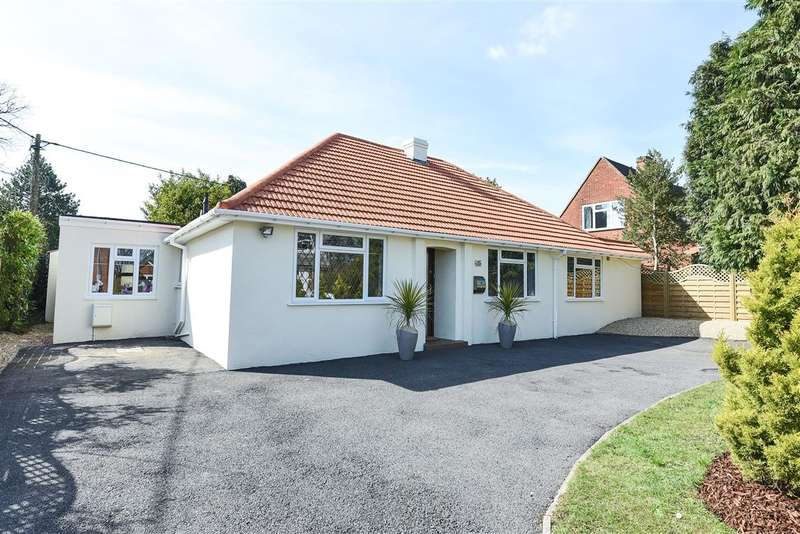 4 Bedrooms Detached Bungalow for sale in Woodlands Avenue, Burghfield Common, Reading, RG7