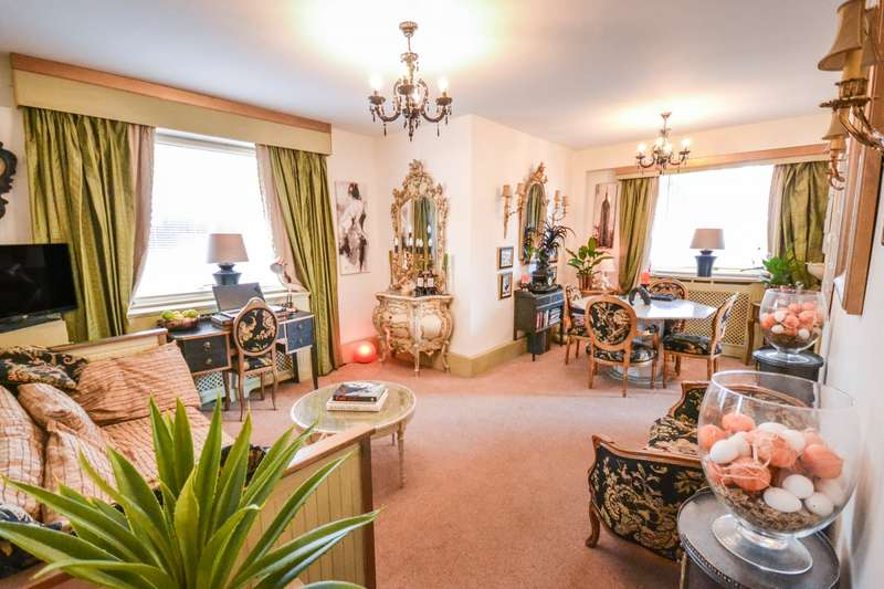 1 Bedroom Flat for sale in South Cliff Tower, Bolsover Road, Eastbourne, BN20
