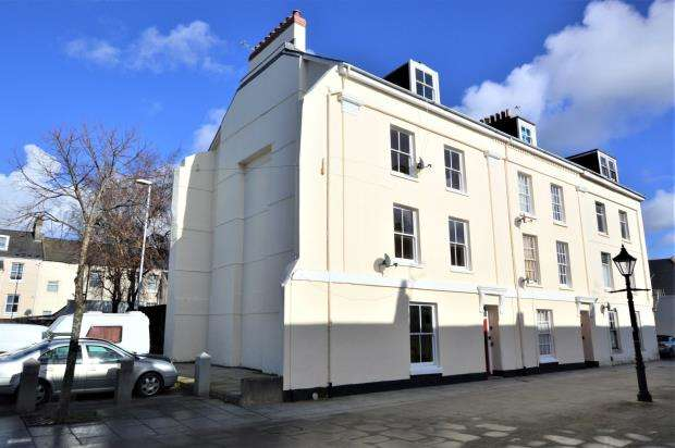 4 Bedrooms End Of Terrace House for sale in Adelaide Street, Stonehouse, Plymouth, Devon