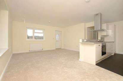 3 Bedrooms Bungalow for sale in Sheffield Road, Unstone, Dronfield, Derbyshire