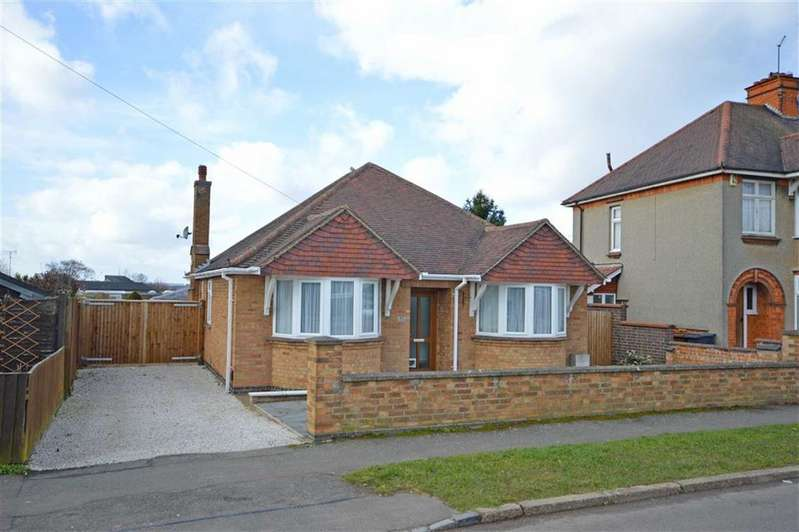 3 Bedrooms Detached Bungalow for sale in Kingsthorpe