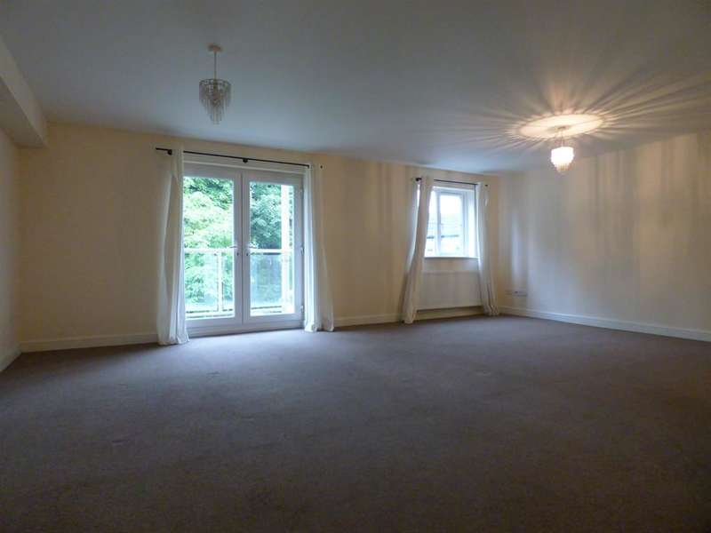 2 Bedrooms Apartment Flat for rent in Olivia View, Sowerby New Road, Halifax, HX6 1AG