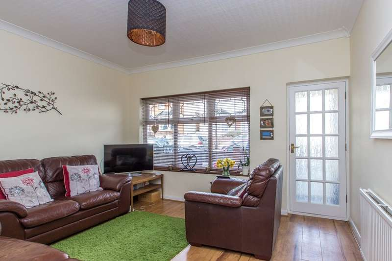 3 Bedrooms End Of Terrace House for sale in Churchill Road, South Croydon, CR2 6HE