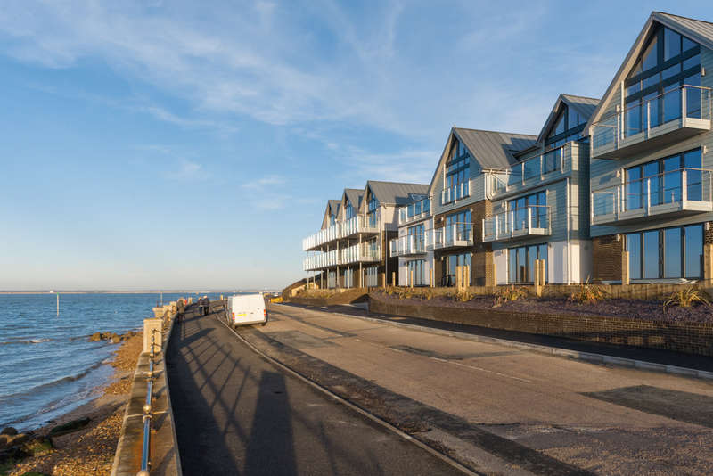 2 Bedrooms Flat for sale in Solent Shores, Gurnard