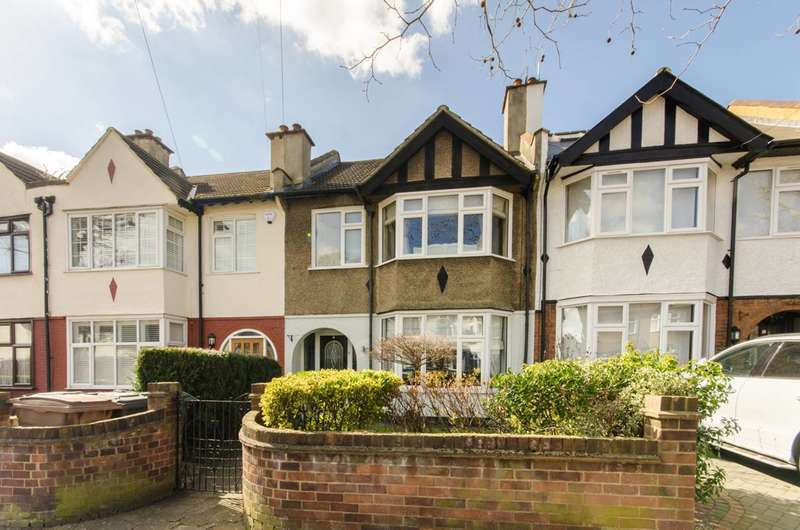 3 Bedrooms House for sale in Lambourne Road, Leytonstone, E11