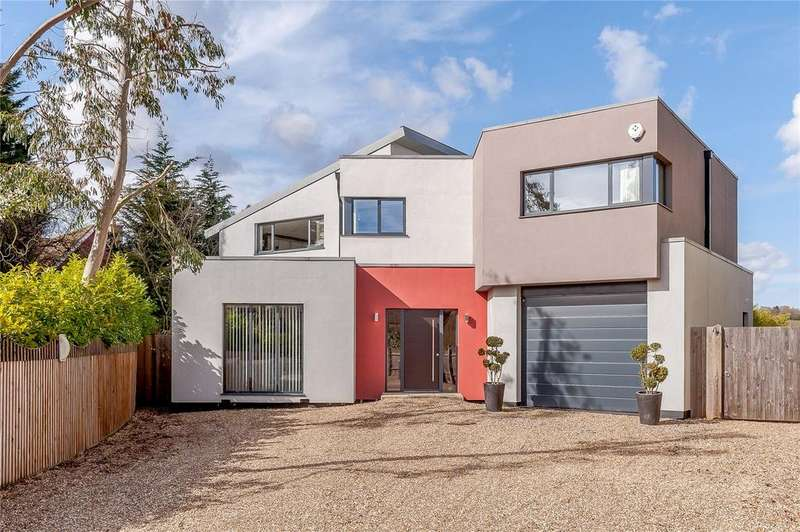 5 Bedrooms Detached House for sale in Homestead Road, Ramsden Bellhouse, Billericay, Essex