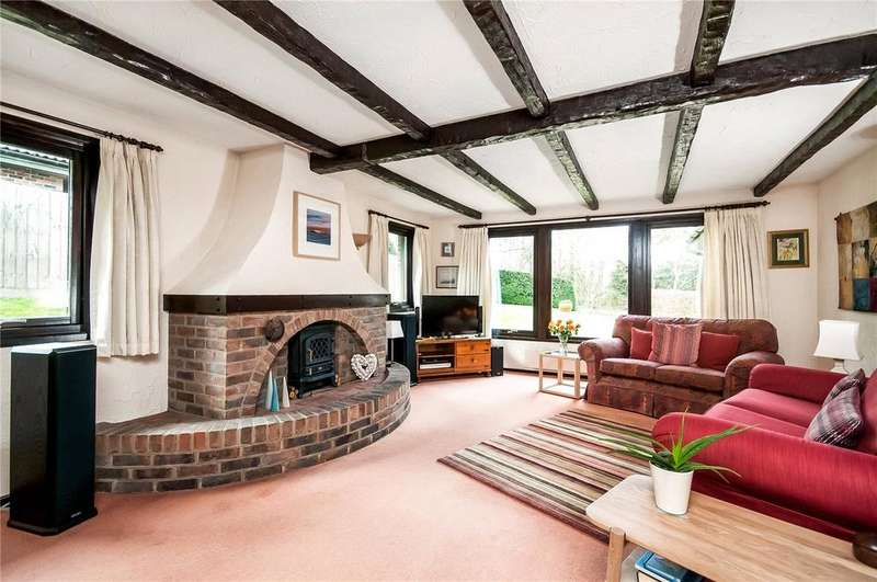 4 Bedrooms Detached House for sale in Christmas Hill, South Wonston, Winchester, Hampshire, SO21