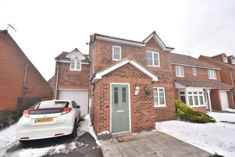 4 Bedrooms Detached House for sale in Lowestoft Way, Redar TS10