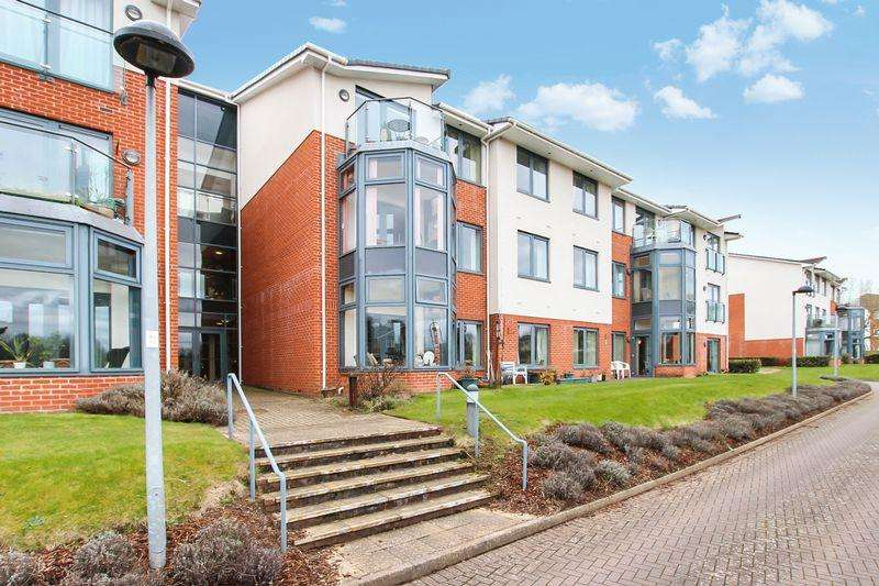 2 Bedrooms Apartment Flat for sale in ROSE GARDENS