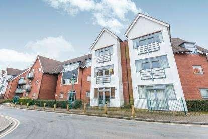 3 Bedrooms Flat for sale in Middlepark Drive, Northfield, Birmingham, West Midlands