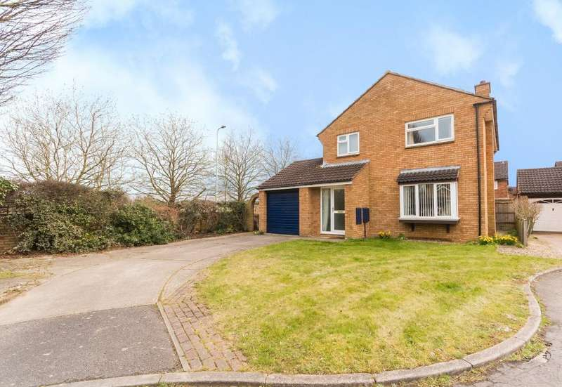 4 Bedrooms Detached House for sale in Covent Close, Abingdon