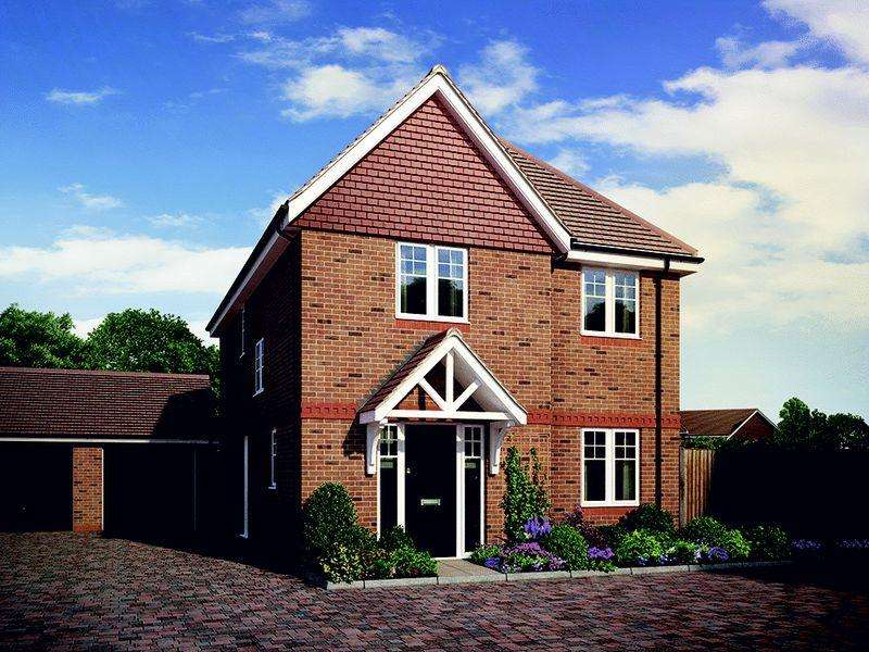 3 Bedrooms End Of Terrace House for sale in North Common Road, Wivelsfield Green