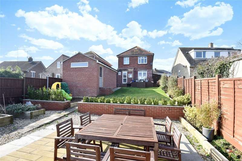 3 Bedrooms Detached House for sale in Preston, Weymouth, Dorset