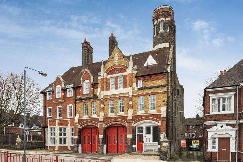 2 Bedrooms Apartment Flat for sale in The Old Fire Station, Sunbury Street, Woolwich