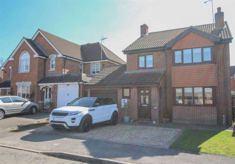 4 Bedrooms Detached House for sale in Rushendon Furlong, Pitstone, Leighton Buzzard, LU7 9QX