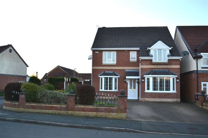 4 Bedrooms Detached House for sale in Clough House Drive, Leigh