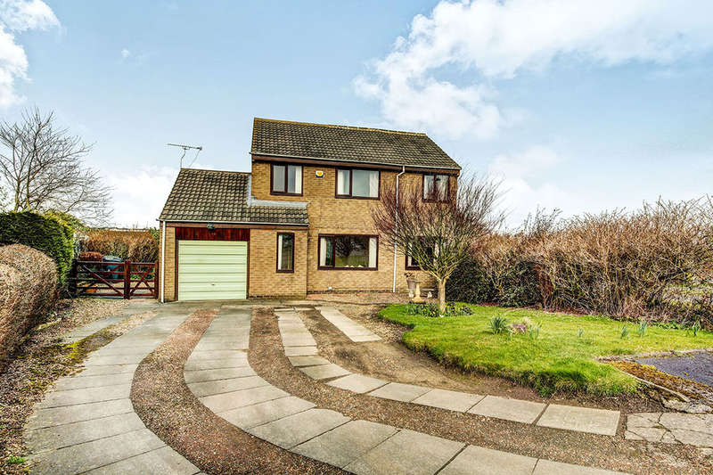 3 Bedrooms Detached House for sale in Sherwood, Murton Village, Newcastle Upon Tyne, NE27