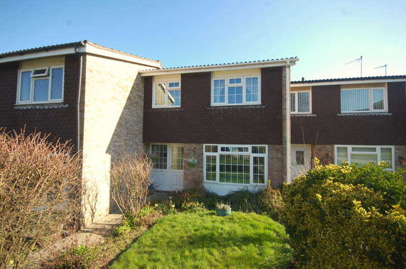 3 Bedrooms Terraced House for sale in Duffield Road, Great Baddow, Chelmsford, CM2