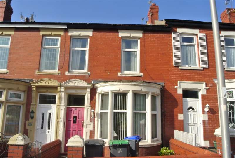 2 Bedrooms Flat for sale in Condor Grove, Blackpool
