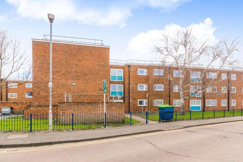 1 Bedroom Flat for sale in Harts Lane, Barking, IG11