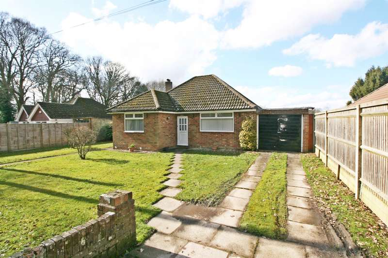 2 Bedrooms Bungalow for sale in Priors Hill Lane, Bursledon, Southampton, SO31 8FG