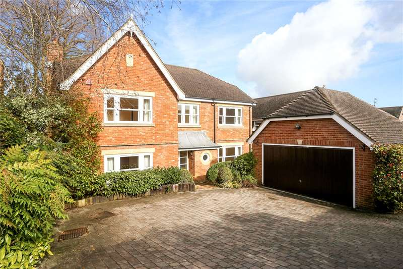 5 Bedrooms Detached House for sale in Ferndown Close, Guildford, Surrey, GU1