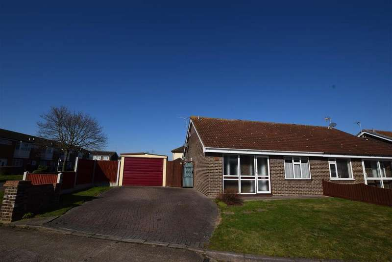 2 Bedrooms Detached Bungalow for sale in Sussex Way, Canvey Island