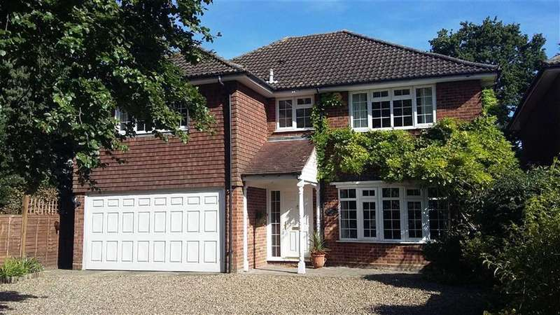 4 Bedrooms Detached House for sale in Wood Street, High Barnet, Herts, EN5