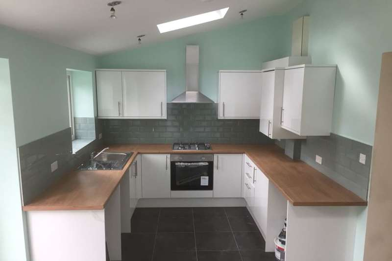 3 Bedrooms Semi Detached House for rent in Lynscott Place, Liverpool, L16