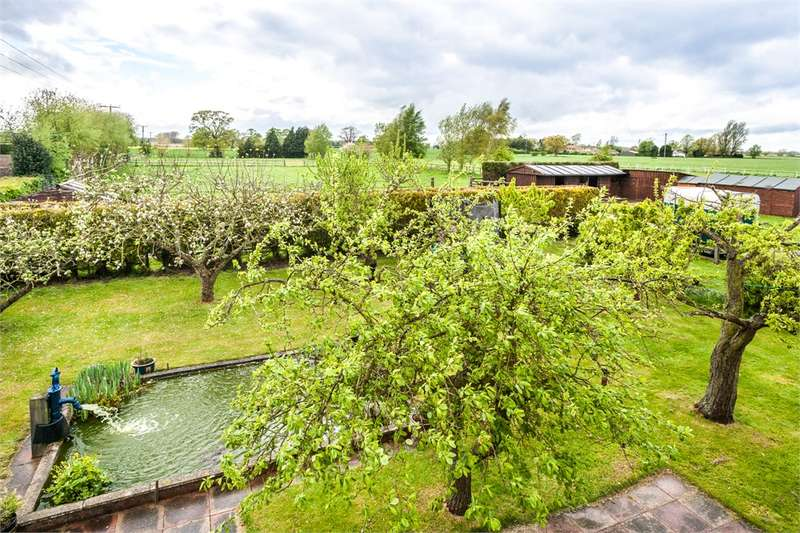 5 Bedrooms Equestrian Facility Character Property for sale in Selby Common, Selby, North Yorkshire, YO8